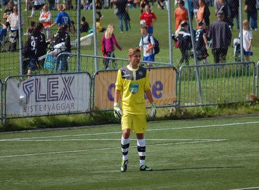 Adam Nilsson - höll ÖSK kvar i matchen och räddade två straffar.
