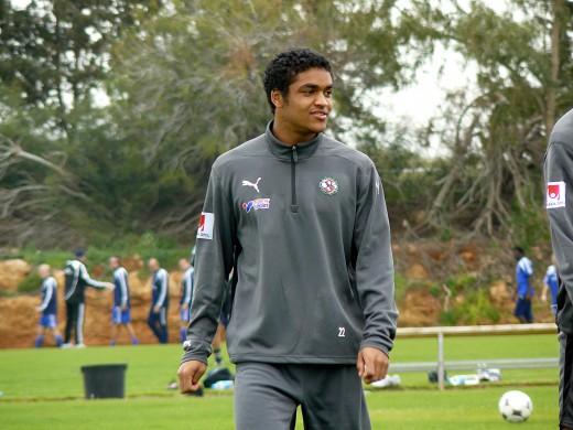 Det var några år sedan James spelade i ÖSK så det blir även en gammal bild. Den här är från träningslägret på Cypern år 2008.