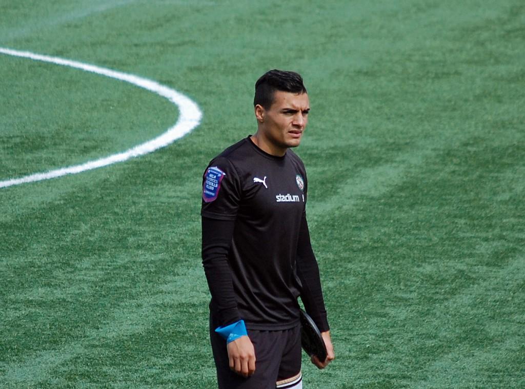 Ahmed Yasin förlängde sitt kontrakt med ett år.