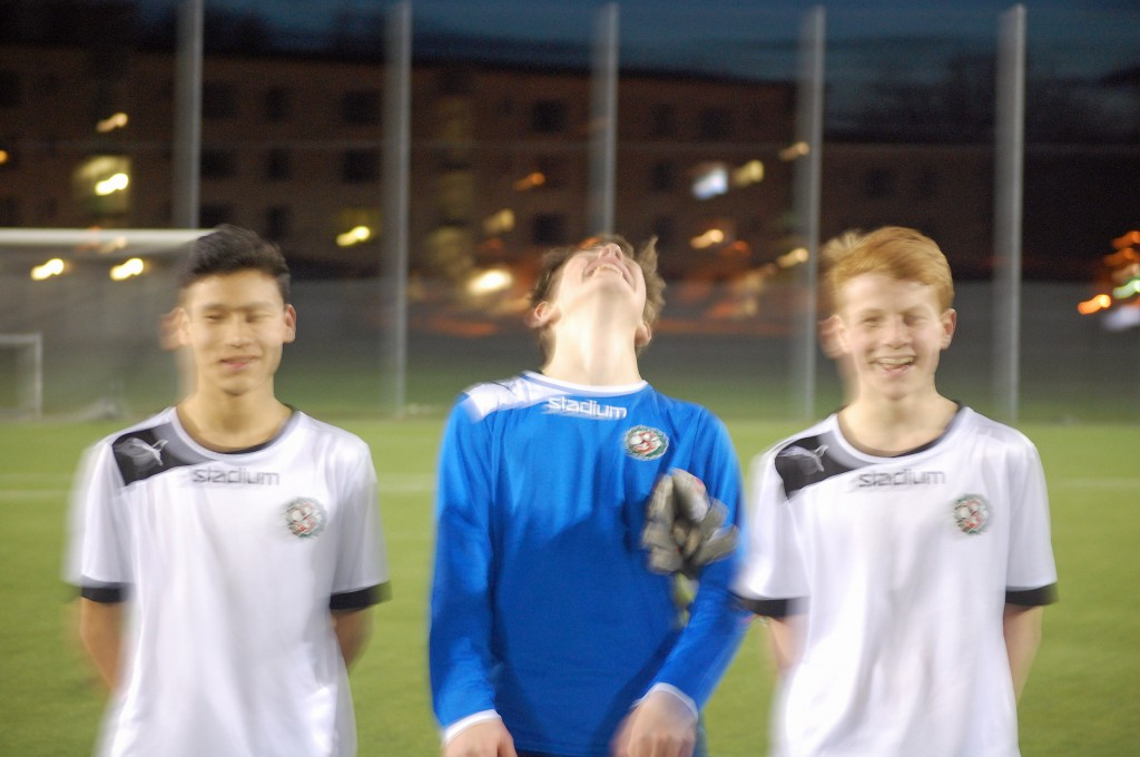 Kamerainställningarna var väl inte direkt optimala, men det här är i alla fall tre spelare som hade en avgörande betydelse för matchutgången. Från vänster Mesbah Nazari, Jack Meehan och Anton Söderman.