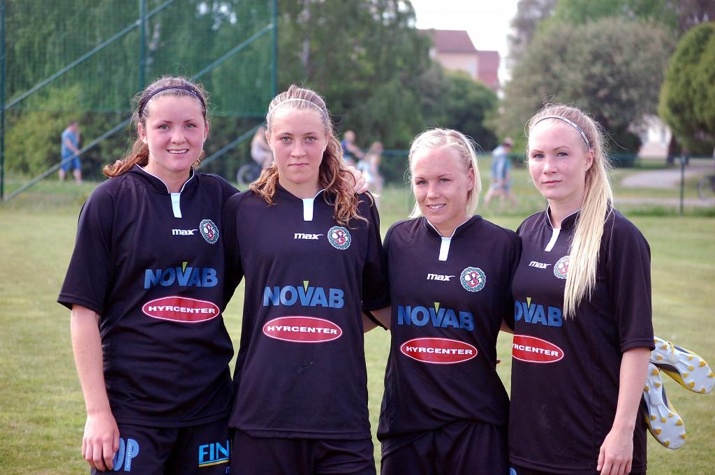 ÖSK Söders målgörare mot Fanna BK: Sabina Håkansson, Freja Olofsson, Hanna Åbom och Sara Sandberg.