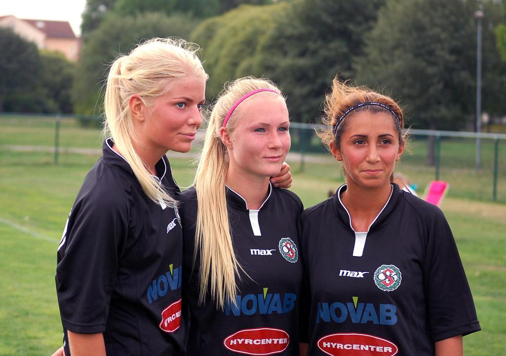 Emma Tivemo, Sara Sandberg (2) och Camilla Erkisi var ÖSK Söders målgörare mot Boo FF.