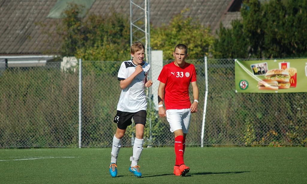 Olle Askerblom överraskade (mig) med sitt stabila spel som ytterback och senare som mittback då Hassan byttes ut.