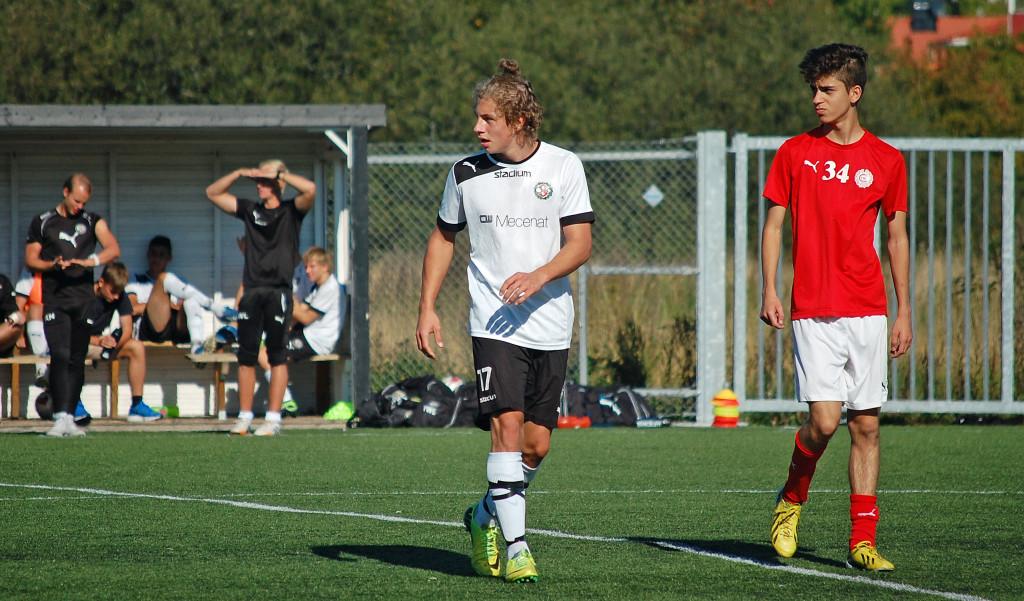 När Jonathan Eriksson byttes in i andra halvlek fick ÖSK mer tyngd i sitt anfallsspel.