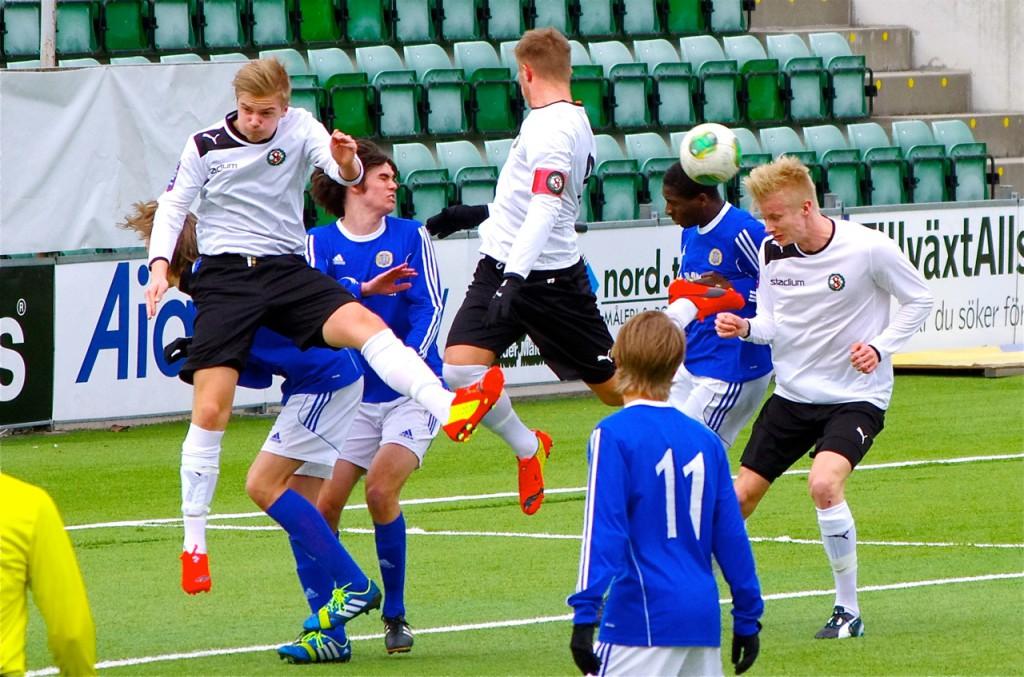 Oskar Ålgars, Anton Westerlund och Oscar Fardelin är alla med i årets sista U19-match. (Foto: Peter Fardelin)