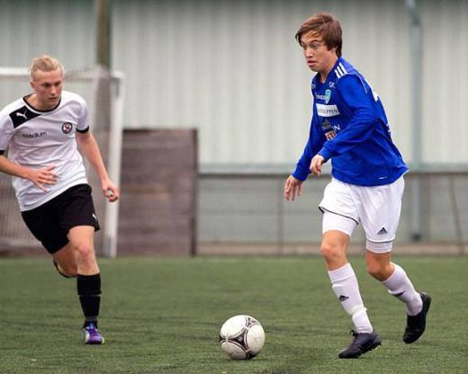 Felix Möller kvitterade för ÖSK med en kvart kvar att spela. (Foto: Jan Hofverberg, Umeå FC/Facebook)