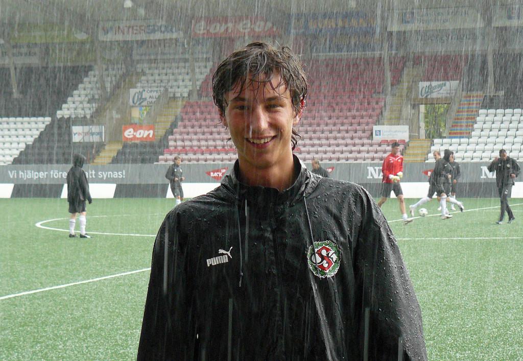 Pontus Jakobsson under hans tid i ÖSK Ungdom (2009)