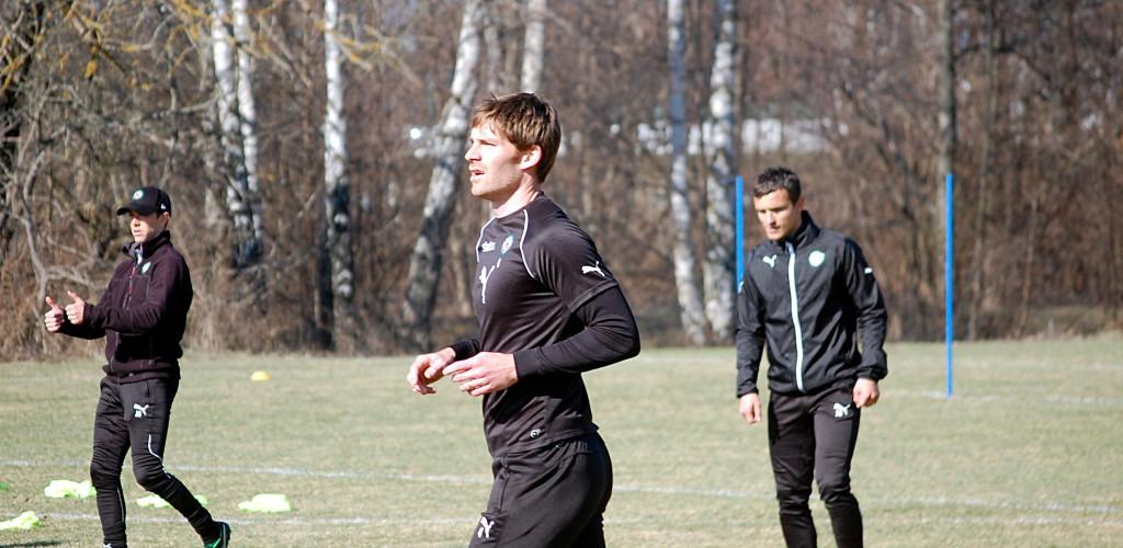 Fotbollen lockar fortfarande Magnus Wikström.