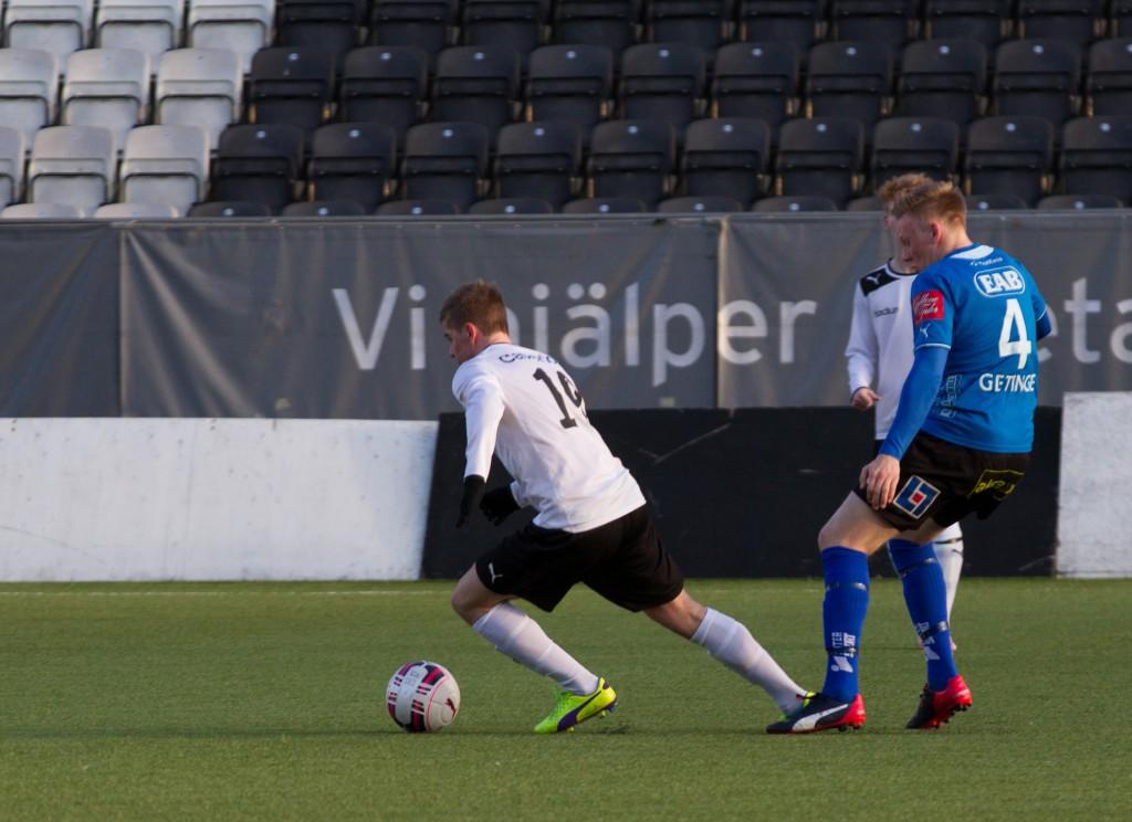 Kevin Johansson s två mål blev tungan på vägen då ÖSK U19 besegrade FC Värmbol.