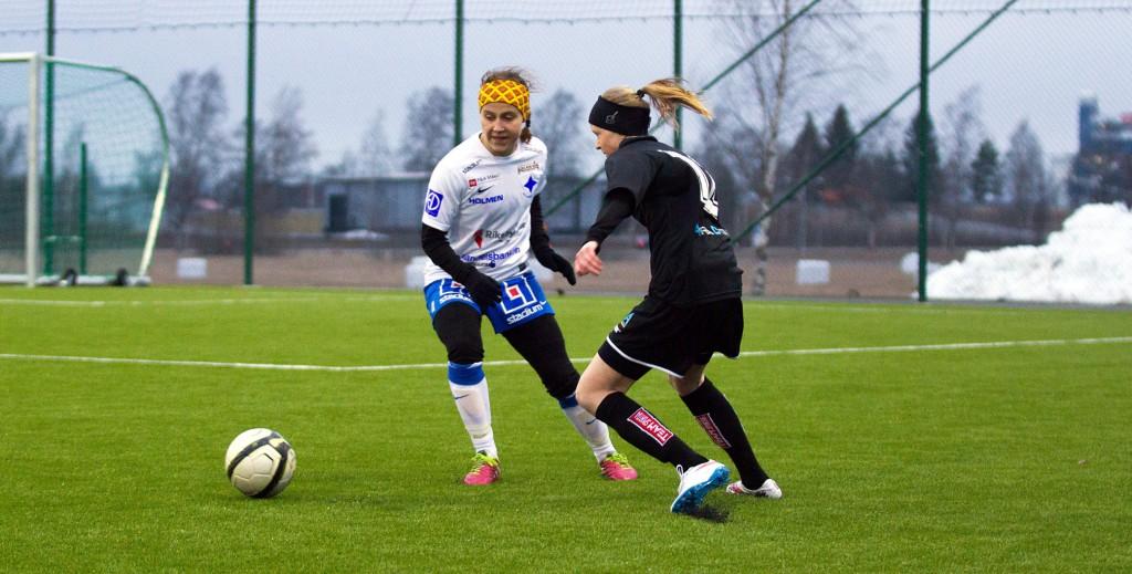 Emma Östlund gjorde mål i sin A-lagsdebut.