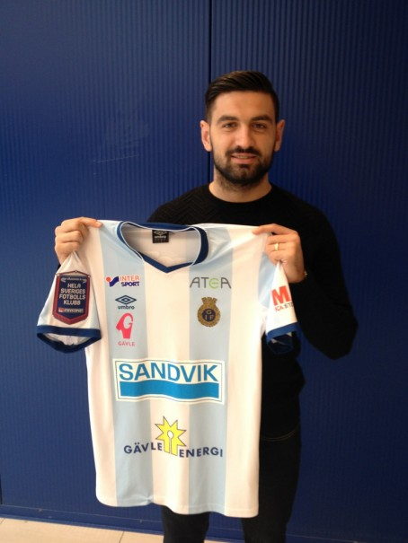 Ilir Berisha med ny klubbdress.