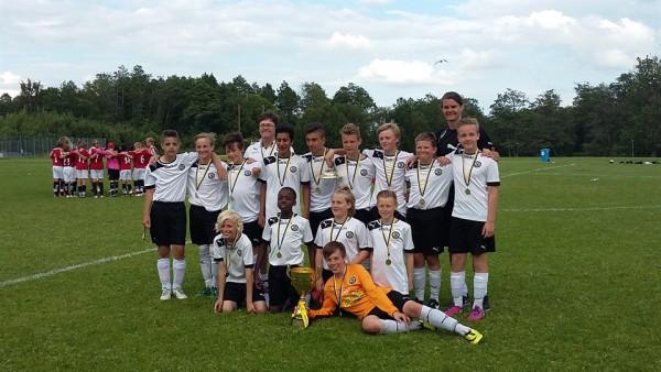 ÖSK P13 Svart segrade i Örebrocupen. (Bilden från lagets hemsida)