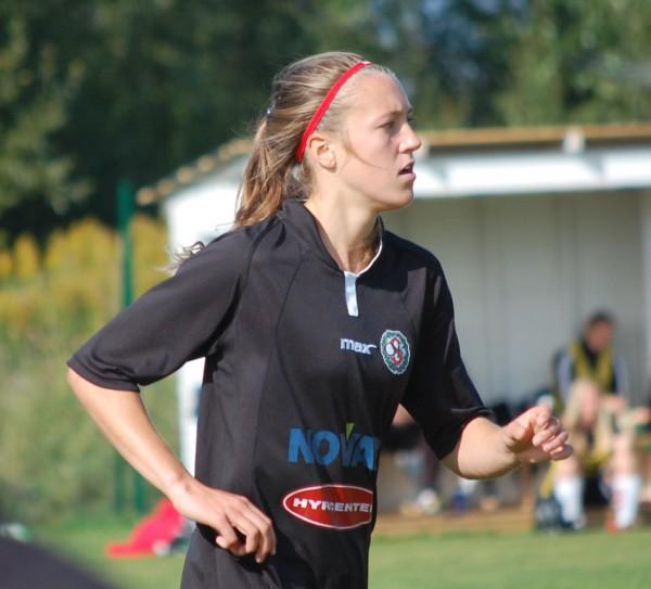 Freja Olofsson debuterade för KIF Örebro i Svenska Cupen.
