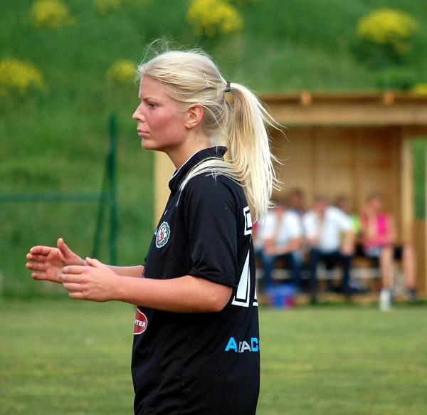 Emma Tivemo: Matchvinanre för ÖSK Söder Dam med två mål och två målgivande passningar.