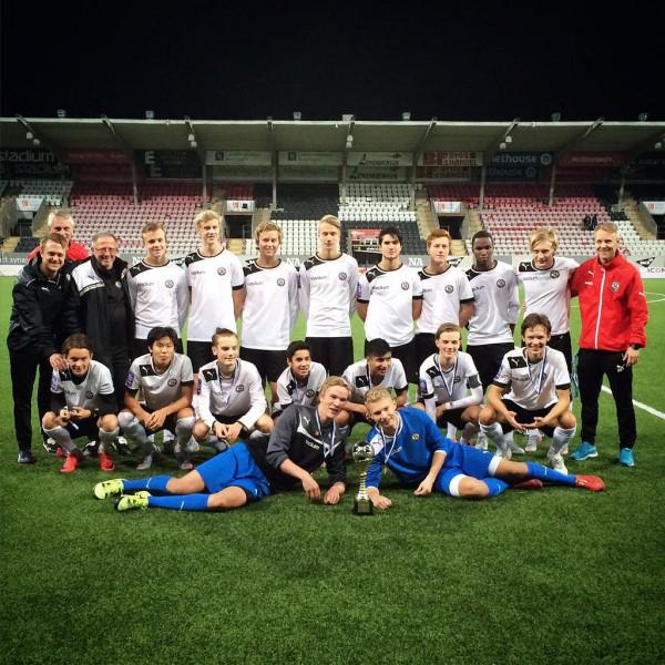 ÖSK: DM segrare i klass P16 år 2015.