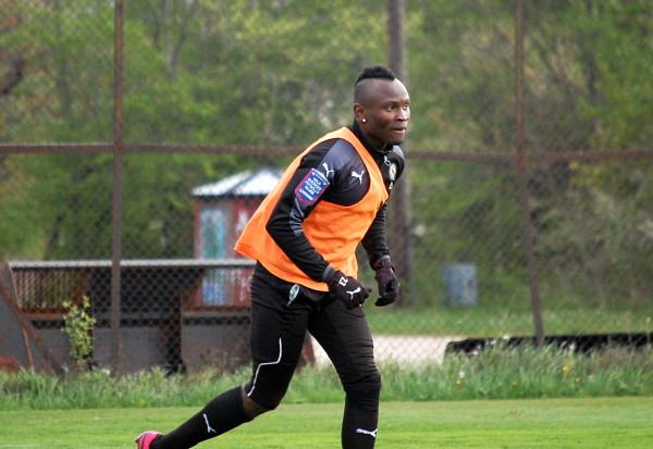 Samuel Mensah återvänder till Östersund efter två misslyckade år i ÖSK .