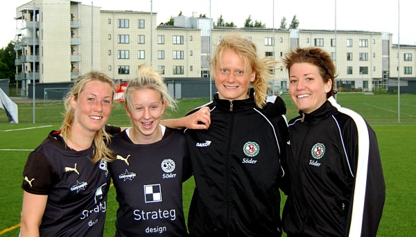 Målgörarfoto från 2011 med Emma Salomonsson, Jenny Börjesson, Sofie Sjöberg och Stina Andersson.