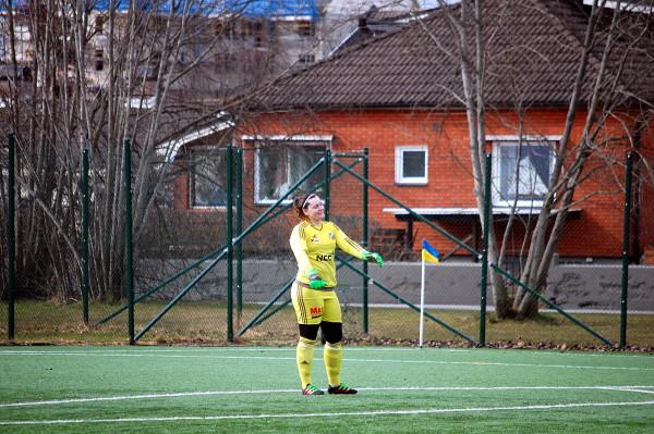 Cassandra Söder - hjälpte sina gamla lagkamrater mot sina nya lagkamrater.