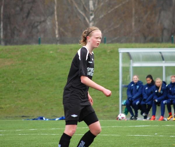 Emma Östlunds snabba mål gav ÖSK Söder en bra grund att jobba på.