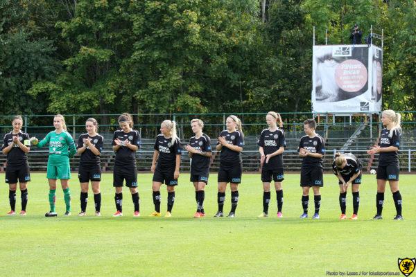 Line-up inför matchen mot IFK Nyköping (Foto: Lasse Jansson för Lokalsporten)