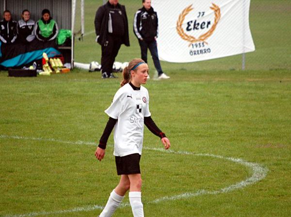 Freja, som då ännu inte hunnit fylla 14, seriedebuterade för ÖSK Söder i mitten av maj år 2012. På Lundby IP I en bortamatch mot IF Eker säkrade hon Södersegern genom att göra det sista målet i matchen som slutade 3-2.